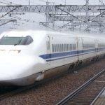 雨中の700系新幹線